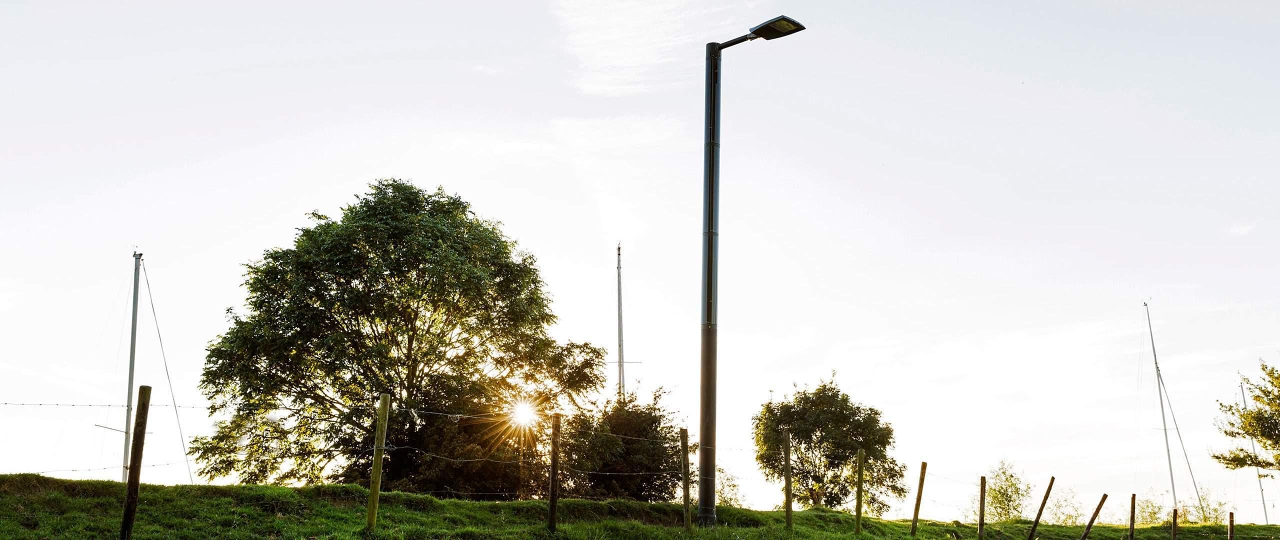 Solar Beleuchtungssystem -Soluxio Solar Lichtmast erhellt Straße durch Solar Straßenlaterne